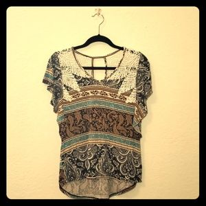 Super SOFT Paisely Print and Lace Top